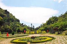 Adamsapa.vn   Vườn Hoa Trung Tâm Núi Hàm Rồng