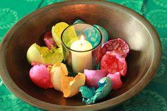 Decorating Easter Hard-Boiled Eggs:  Crackled Effect