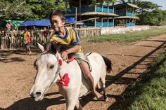 Indonesia's smallest jockeys