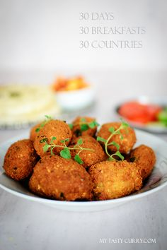 My Tasty Curry: Egyptian Falafel Ta& or Tamiya : A Popular Street Food of Egypt Middle East Food, Middle Eastern Recipes, Vegetarian Recipes, Cooking Recipes, Healthy Recipes, Yummy Recipes, Egyptian Food, Lebanese Recipes, Greek Recipes