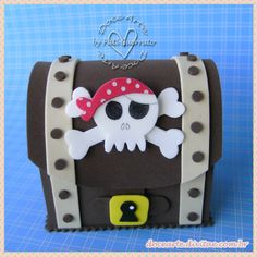 Baú de Pirata Boat Crafts, Pirate Crafts, Crafts For Kids, Pirate Birthday, Pirate Theme, Treasure Chest Craft, Child Day, Childrens Party, Birthday Decorations