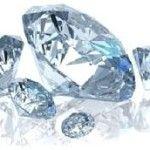 Escova de diamante indicada para cabelos rebeldes.  A escova de diamante garante deixar os fios 80% mais lisos, para cabelo ondulado o efeito é melhor
