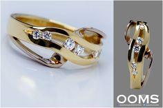 Wij kunnen zoiets als deze ring maken, ook van goud wat u bijv. niet meer draagt .. hoe leuk is dat ?! Ring Bracelet, Ring Necklace, Bracelets, Jewellery Sketches, Bling Bling, Bff, Sparkle, Tattoos, My Style