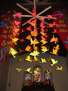 Pentecost Mobile by aydeeyai-dowel star hanger (branches too) Day Of Pentecost, Liturgical Seasons, Prayer Stations, Altar Decorations, Church Flowers, Church Banners, Church Design, Church Crafts, Sunday School Crafts