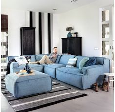 https://i.pinimg.com/236x/20/f3/b3/20f3b328c749a116d6c0d063acba7e99--sofas-couch.jpg