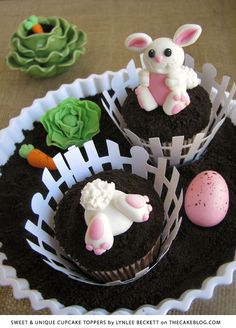learn how to make these adorable Easter Bunny cupcakes | a tutorial from Sweet & Unique Cupcake Toppers by Lynlee Beckett