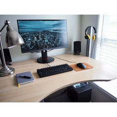 """825 Likes, 1 Comments - Mal - PC Builds and Setups (@pcgaminghub) on Instagram: """"An awesome standing desk setup! Natural light paired with a lighter coloured wood looks so good…"""""""