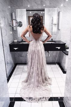 Spaghetti Straps Prom Dresses 2017 V-neck Open Back 2017 Evening Gowns