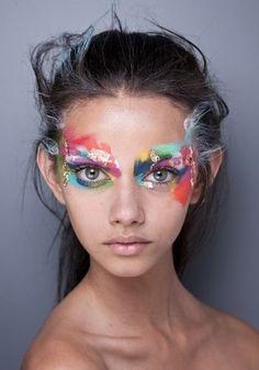 painted face costume makeup - Idea for fun photoshoot Beauty Makeup, Eye Makeup, Hair Makeup, Makeup Style, Kreative Portraits, Fantasy Make Up, Creative Makeup Looks, High Fashion Makeup, Make Up Art