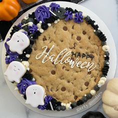 Cookie Cake Designs, Cookie Cake Decorations, Cookie Decorating, Cookie Ideas, Halloween Snacks, Halloween Cakes, Halloween Goodies, Halloween Gifts, Halloween Party