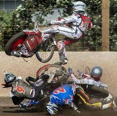 Speedway is a dangerous sport, remember! Speedway Motorcycles, Speedway Racing, Old Motorcycles, Dirt Track Racing, Road Racing, Dangerous Sports, Goodwood Revival, Sidecar, Cool Bikes