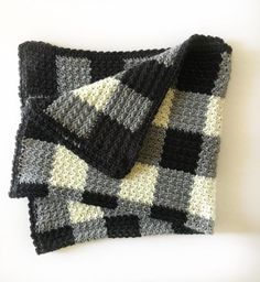 Who knew that making crochet look like a gingham pattern could be so simple? This crochet griddle stitch gingham blanket is simple once you learn to carry Afghan Crochet Patterns, Crochet Stitches, Knitting Patterns, Crochet Afghans, Baby Blanket Crochet, Crochet Baby, Free Crochet, Crochet Blankets, Baby Blankets