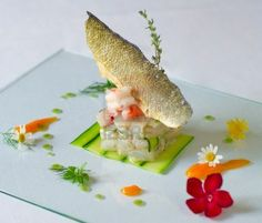 very elegant fish dish service of haute cuisine Archivio Fotografico - 14238863 Food Plating Techniques, Star Food, Food Decoration, Fish Dishes, Teller, Culinary Arts, Creative Food, Food Design, Food Presentation