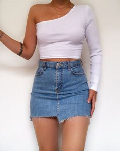 Girly Outfits, Cute Casual Outfits, Skirt Outfits, Look Fashion, Teen Fashion, Fashion Outfits, Fashion Killa, Long Sleeve Crop Top, Cropped Top
