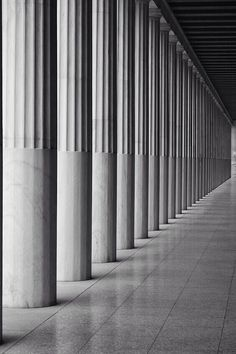 Stoa of Attalos Attica TrekEarth Architecture Design, Classic Architecture, Layered Architecture, Minimalist Architecture, Interior Columns, Interior And Exterior, Luigi Snozzi, Pillar Design, Fluted Columns