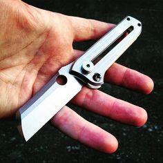 Manual OTF folding knife