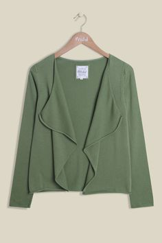Inspired by the fields of Wiltshire Water Meadow, our Tea Cardi is a must this season. The elegant edge-to-edge knit is made from lightweight cotton, perfect for layering. Designed in a beautiful soft green, the clean cardi features long sleeves with delicate detailing around the shoulders. Also available in Blush.