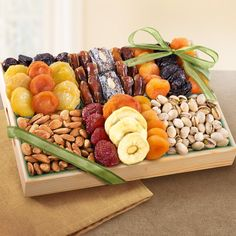 Chance to Win a Golden State Fruit Pacific Coast Deluxe Dried Fruit Tray with Nuts. Pacific Coast Deluxe Dried Fruit and Nut Tray: Nearly double the size. Dried Pears, Dried Fruit, Sun Dried, Fruit Gifts, Food Gifts, Gourmet Gifts, Gourmet Recipes, Dry Fruit Tray, Fruit Sec