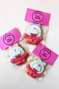 Cakestand icing cookies