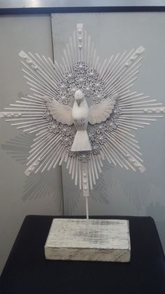 First Holy Communion, Holy Spirit, Christening, Holi, Spirituality, Arts And Crafts, Carving, Angel, Christian