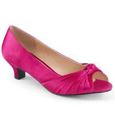 http://www.lenceriamericana.com/calzado-sexy-de-plataforma/39341-zapatos-peep-toe-de-saten-con-lazo-frontal-y-tacon-bajo-tallas-40-a-48.html