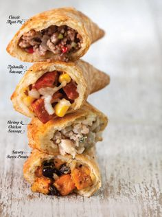 The Nachitoes Meat Pie is a classic must have. Here, we've taken it a step further, adding three new meat pies to the mix. Pastry Recipes, Meat Recipes, Mexican Food Recipes, Cooking Recipes, Sushi Recipes, Easy Stuffed Cabbage, Fried Pies, Cajun Recipes, Hand Pies