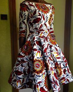 « Robe lolita version wax!! #diywearlemonade #makemylemonade #wearlemonade #weddingdress #waxprint #robelolita #jeportecequejecouds »