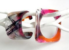 Set of two resin bangles marbled pink and orange  by EdnaMo