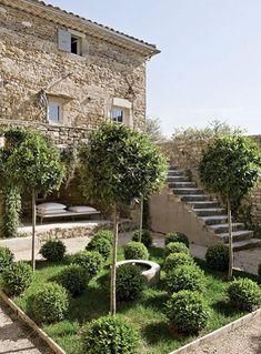 Small Backyard Formal Garden | Landscape Design
