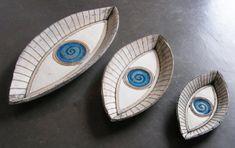 συγχρονη κεραμικη κρεμαστα λουλουδια keramikh | Anastasaki Ceramics Pottery Bowls, Ceramic Pottery, Pottery Ideas, Earthenware, Stoneware, Coil Pots, Plaster Molds, Pinch Pots, Ceramic Clay