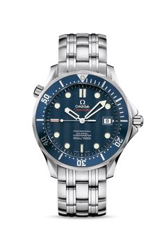 Discover the iconic watch worn by James Bond in Casino Royale: the OMEGA Seamaster Diver (Ref. a stylish steel watch that will make you feel like Omega James Bond, Omega Seamaster James Bond, Omega Seamaster Diver 300m, Omega Watches Seamaster, Omega Seamaster Automatic, Breitling, Cool Watches, Watches For Men, Men's Watches