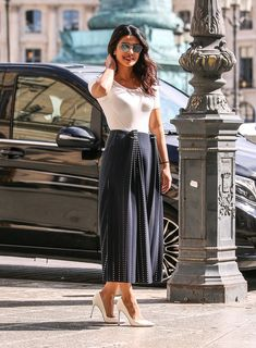 Pin for Later: 21 Reasons Priyanka Chopra Is the Style Star to Watch Right Now Never Underestimate Your White Tee Priyanka stepped out in Paris in a pleated Dion Lee midi skirt, letting it take center stage by finishing her look with neutrals. Star Fashion, Trendy Fashion, Fashion Outfits, Fashion Trends, Plaid Outfits, Fall Fashion, Fashion Women, Feminine Fashion, Fashion 2018