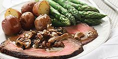 Roasted Beef with Wild Mushroom Sauce. This hearty, yet simple meal bursts with flavour due to the sauce. Fun Easy Recipes, Heart Healthy Recipes, Diabetic Recipes, Easy Meals, Cooking Recipes, Meat Recipes, Wild Mushrooms, Stuffed Mushrooms, Mushroom Sauce