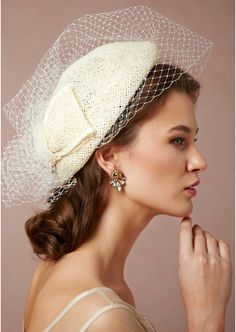 Knowing When to Let Go; Ending a Romantic Relationship; How to Break ... When brides don't want to be seen as the princess type, don't feel pressured to wear a jeweled princess tiara. There are various options and alternatives to tiaras, like bridal hats, headbands as well as many other options.