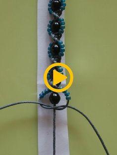 www.daniela-kocia... - DRHÁNÍ - MAKRAMÉ - Macrame náramek kytičky  #daniela #drhani #kocia #macrame #makrame #naramek Diy Bracelets Video, Bracelet Crafts, Flower Bracelet, Handmade Bracelets, Macrame Bracelet Patterns, Beaded Jewelry Patterns, Beading Patterns, Bead Jewellery, Macrame Jewelry