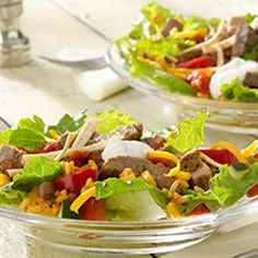 I love this Smart Ones recipe for Steak Fajita Salad. Helps me stay on track and it's so delicious! #cleanyourslate