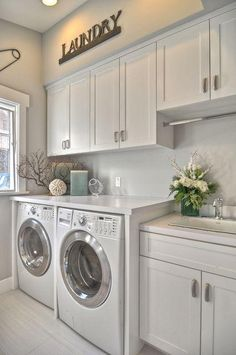 Small laundry room inspiration// Love the colors here; clean & bright..