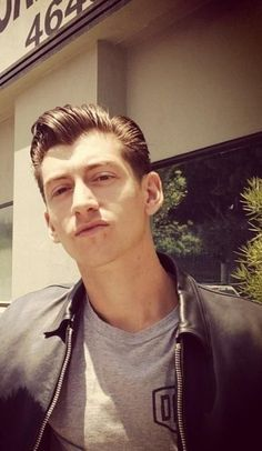 "alex-turncr: "" alex-turncr: "" alex-turncr: "" It's official, Al is a new character in grease. "" or maybe a high school bully "" or maybe just alex turner We'll never know. Alex Turner, Arctic Monkeys, The Last Shadow Puppets, Music Bands, Alter, Indie, Sexy, Husband, Guys"