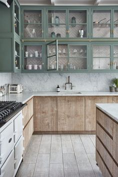 Whitewashed kitchen cabinets in this modern take of the farmhouse kitchen by BLA. Whitewashed kitchen cabinets in this modern take of the farmhouse kitchen by BLAKES LONDON Farm Kitchen Ideas, Home Decor Kitchen, Kitchen Interior, Farm Kitchen Design, Room Interior, Modern Farmhouse Kitchens, Cool Kitchens, Kitchen Modern, Craftsman Kitchen