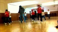 İlkokul Dans Gösterisi 23 Nisan (Pharrel Wİlliams-Happy) Pharrell Williams, Dan, Basketball Court, Happy, Ser Feliz, Happiness, Being Happy