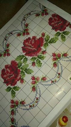 This Pin was discovered by gön Cross Stitch Borders, Crochet Borders, Cross Stitch Rose, Cross Stitch Flowers, Cross Stitch Designs, Cross Stitching, Cross Stitch Embroidery, Embroidery Patterns, Hand Embroidery