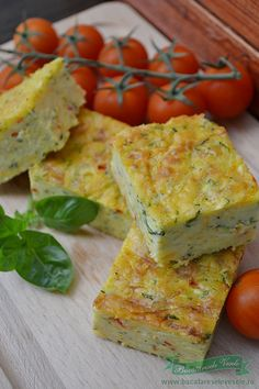 Budinca de dovlecei Veggie Recipes, Appetizer Recipes, Cooking Recipes, Good Food, Yummy Food, Romanian Food, Salty Snacks, 30 Minute Meals, Quiche