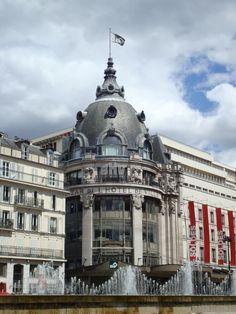 One of Paris' historic department stores. Paris France, Rue Du Temple, Paris Balcony, Image Paris, Paris Rooftops, La Rive, London History, Paris Images, French Architecture