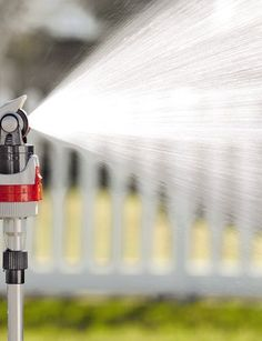 4-Pattern Telescoping Sprinkler - get  the water where you need it