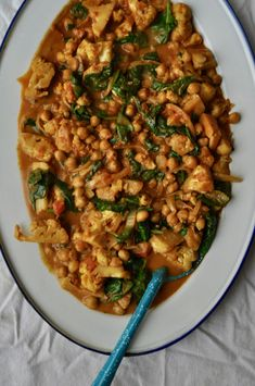 Cauliflower, Chickpea & Spinach Curry Chickpea And Spinach Curry, Test Kitchen, Risotto, Cauliflower, Dhal, Vegetarian, Heavens, Ethnic Recipes, Foods
