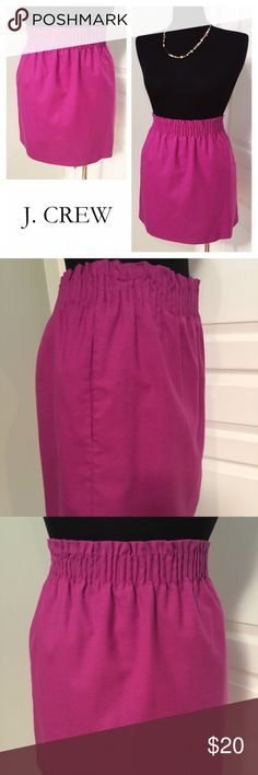 J. CREW Wool Blend Skirt w/ Pockets! Skirt is fully lined, has an elastic waist band, and also has pockets! Fabric content is 38% wool 30% polyester 29% viscose and 3% spandex. The lining is 100% acetate. The length of the skirt 17 inches. J. Crew Skirts
