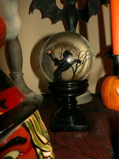 J. Thaddeus Ozark's Cookie Jars and Other Larks: The Headless Horseman Snow Globe
