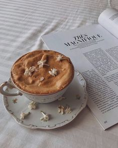 Aesthetic Coffee, Aesthetic Food, Brown Aesthetic, Aesthetic Collage, Summer Aesthetic, Coffee And Books, Coffee Love, But First Coffee, Cafe Food