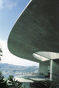 John Lautner master architect of California Modernism and mid 20th century design. Arango House in Acapulco Mexico 1973.