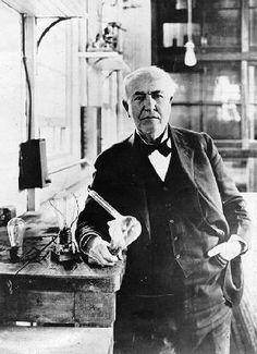 Thomas Alva Edison in 1919.Thomas Alva Edison (Milan (Ohio), 11 februari 1847 – West Orange (New Jersey), 18 oktober 1931) was een Amerikaanse uitvinder en oprichter van General Electric Company, die zijn fortuin maakte door uitvindingen op te kopen en de octrooien op zijn eigen naam vast te leggen